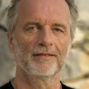 Dr. Bernd Claren
